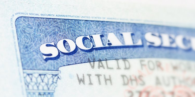 Senators Aim to Increase Social Security Benefits for Retirees